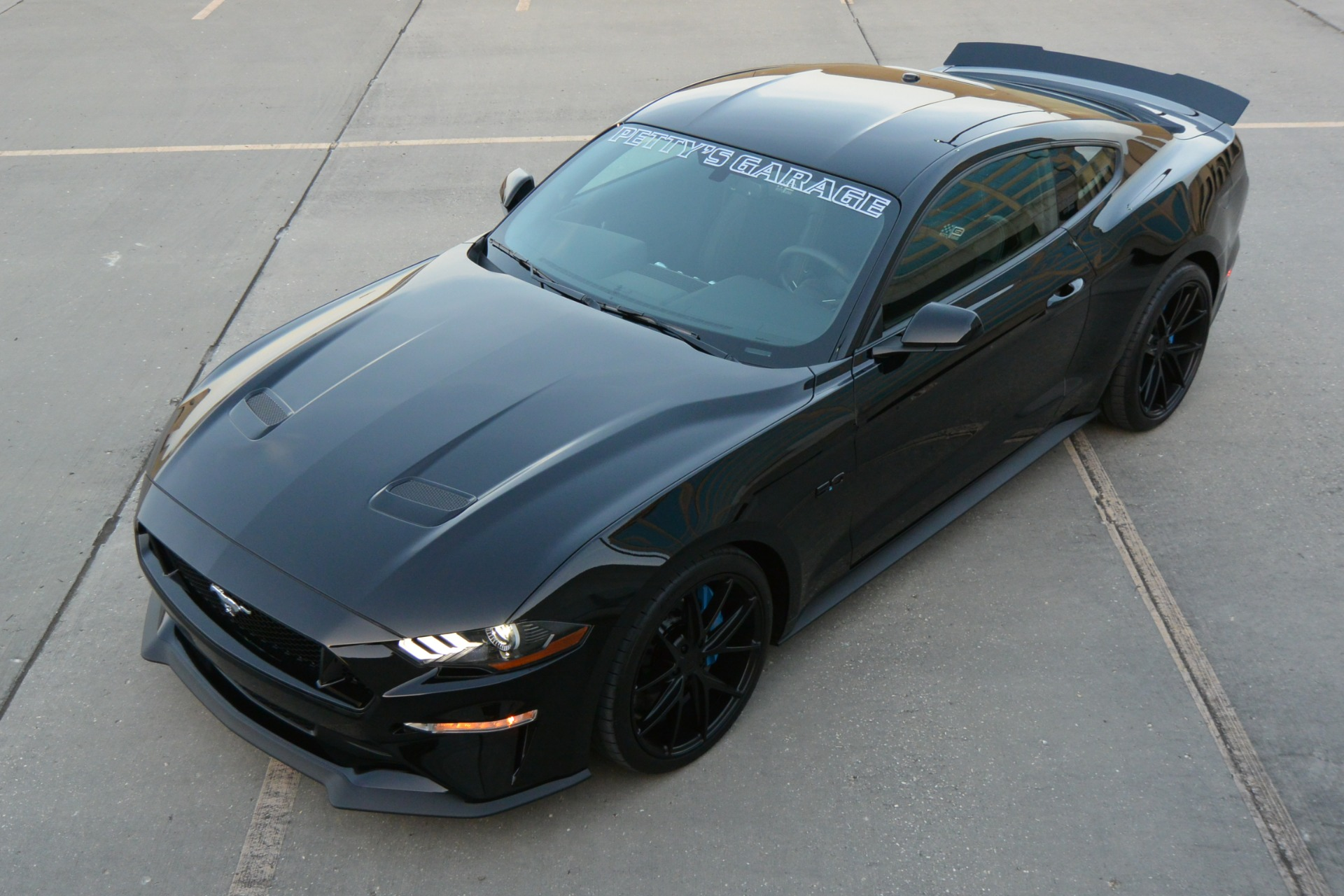2018 ford mustang gt richard petty bootlegger edition 043 of 43