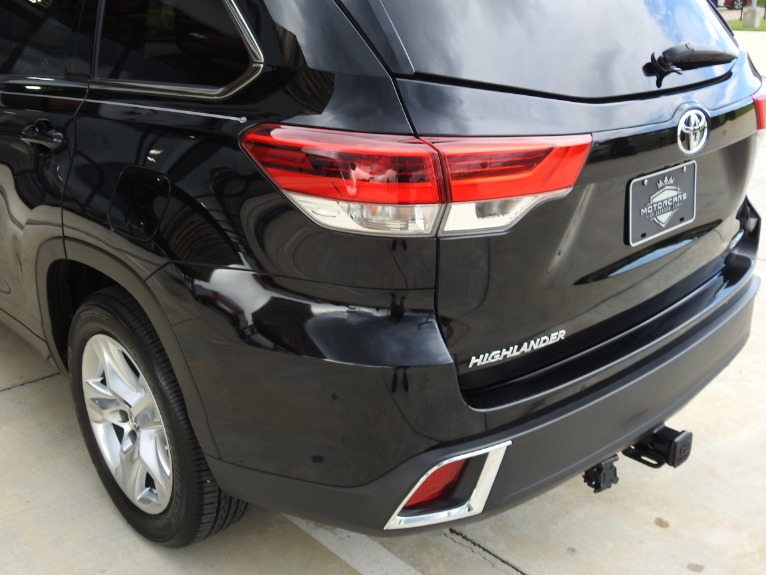 Used-2017-Toyota-Highlander-Limited-for-sale-Jackson-MS