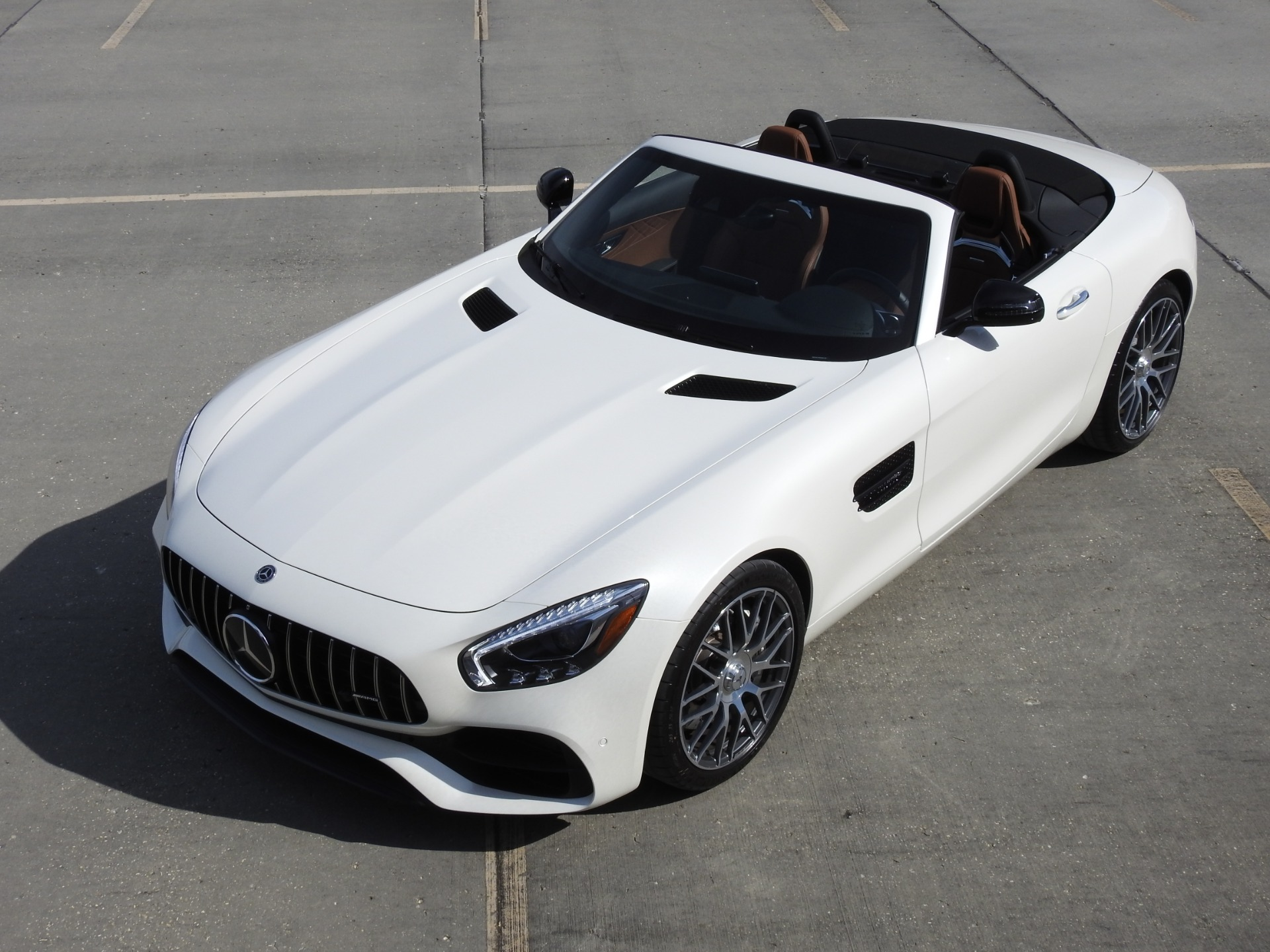 Used-2018-Mercedes-Benz-AMG-GT-Roadster-for-sale-Jackson-MS