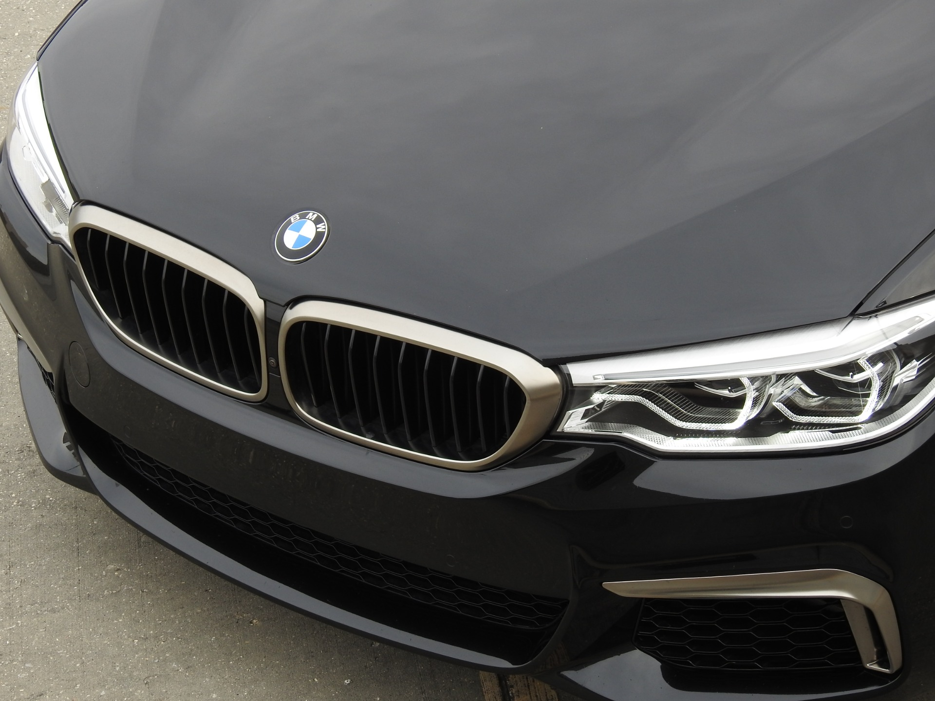 Used-2018-BMW-5-Series-M550i-xDrive-for-sale-Jackson-MS