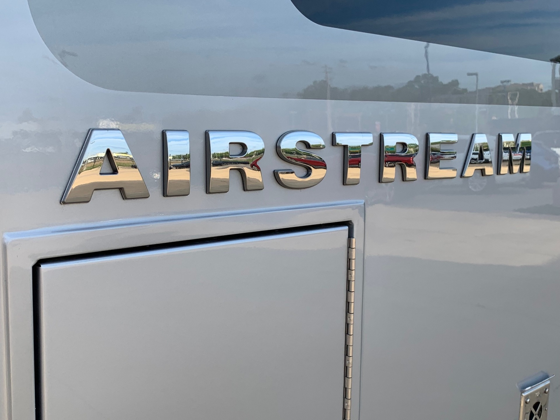 Used-2019-Atlas-Airstream-Murphy-Bed-Jackson-MS