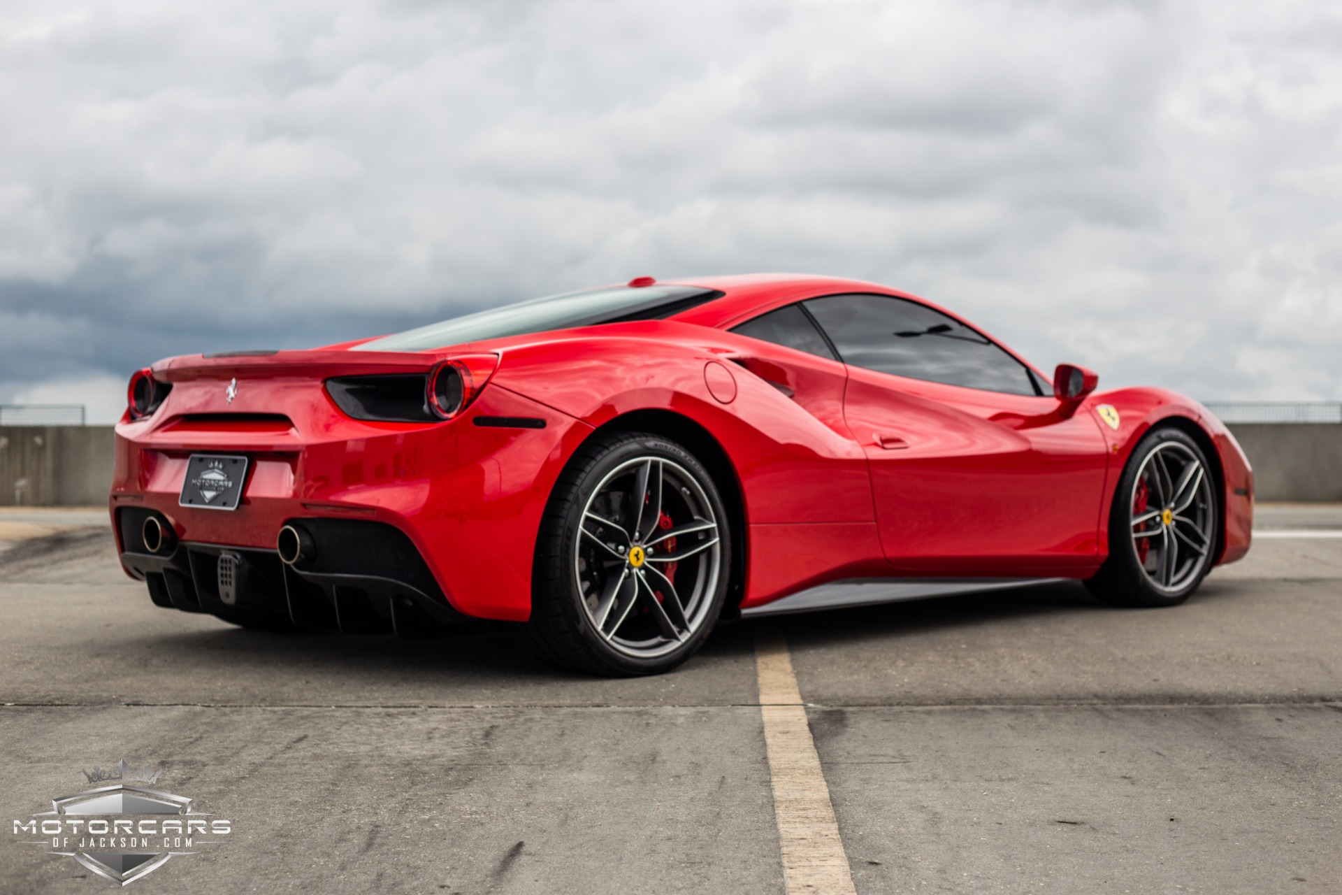 Used-2017-Ferrari-488-GTB-HUGE-MSRP-!-Tons-of-Carbon-!!-for-sale-Jackson-MS