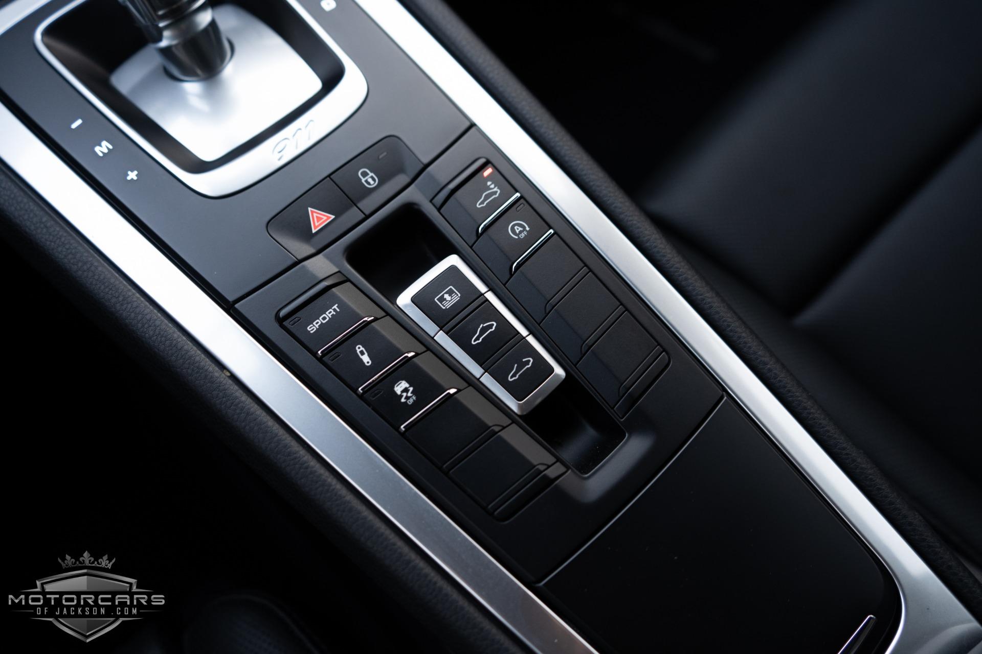 Used-2018-Porsche-911-Carrera-Jackson-MS