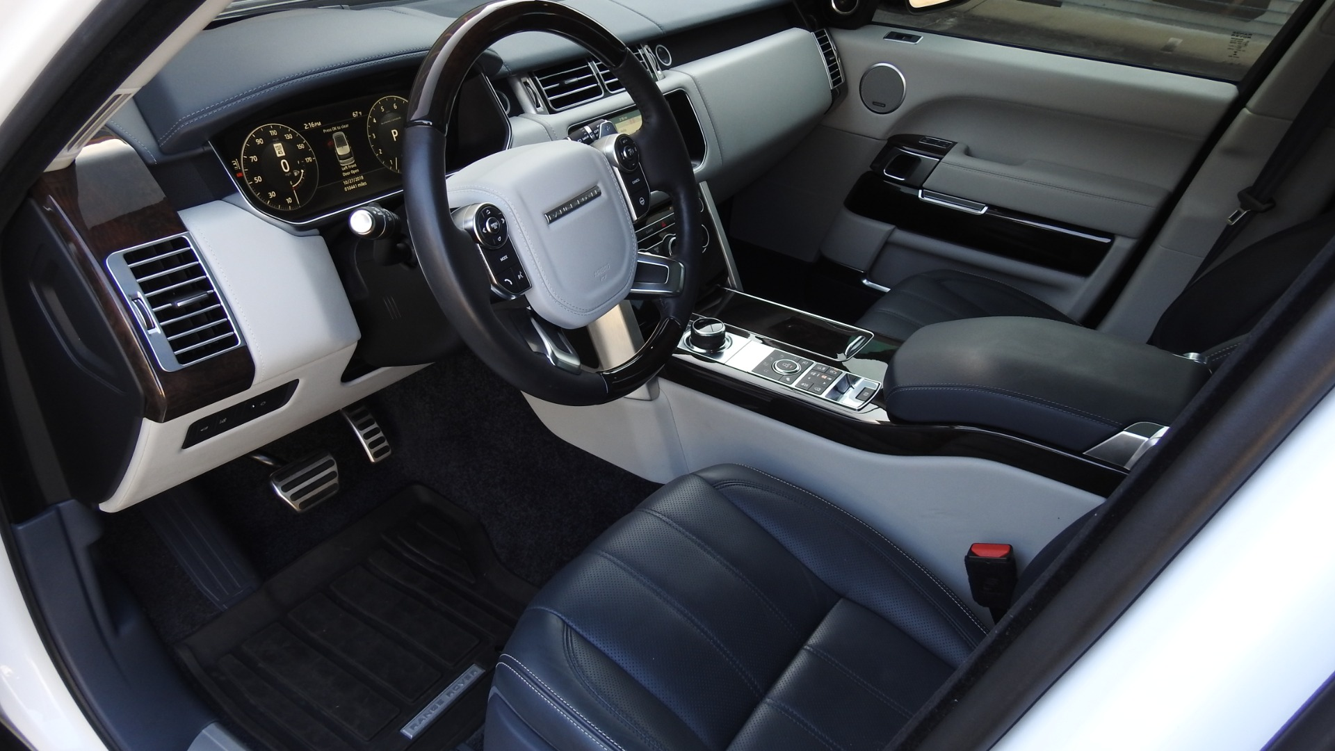 Used-2017-Land-Rover-Range-Rover-Autobiography-LWB-for-sale-Jackson-MS